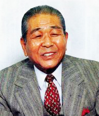 現役引退後もボクシング界の発展に貢献し、謙虚な姿勢を貫いた。